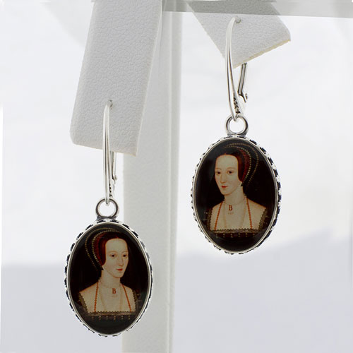 anne-portrait-oval-ster-earring