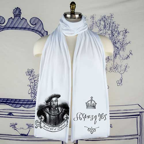 king-henry-scarf-white-claire
