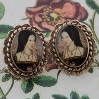 Anne Boleyn Oval Post Earrings – Bronze