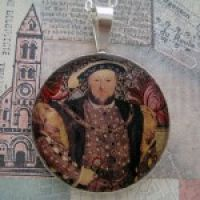 King Henry VIII Pendant with Silver Chain