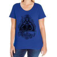 Elizabeth I Curvy Fit Scoop-neck T-shirt