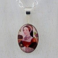Catherine Howard Minuscolo Pendant