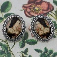 Anne Boleyn Oval Post Earrings – Silver