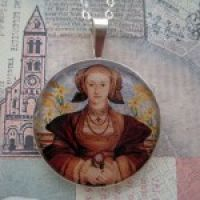 Anne of Cleves Pendant with 16″ Silver Chain