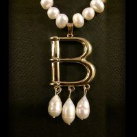 Anne Boleyn B Necklace – Freshwater Pearl edition