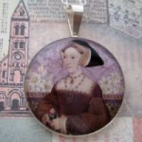 Jane Seymour Pendant with 16″ Silver Chain