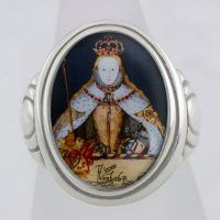 Elizabeth I in Coronation Robes Cameo Style Ring