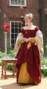 Lauren Johnson as Jane Seymour