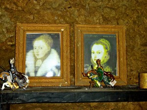 Copies of portraits of Elizabeth and Mary, copyright Paudie Kennelly