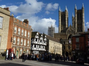 Castle Hill and the Cathedral, Lincoln: William de Mowbray was one of the rebels captured in the vicinity when forces loyal to King John's son Henry III arrived to relieve the siege of Lincoln Castle in 1217. © Marilyn Roberts 2015